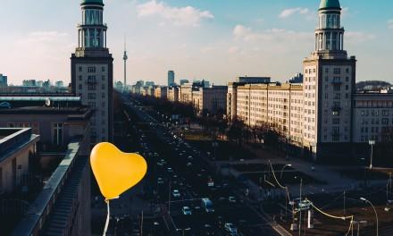 Fette Kampagne: Neckermann spendiert 25 Jahre Urlaubs-Flatrate